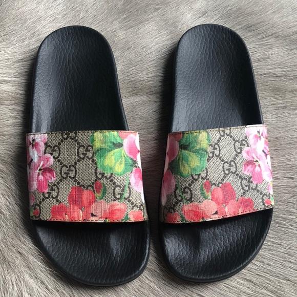 0d0f5e3a8f8c Gucci Shoes - Gucci Blooms Slides Sandals 37